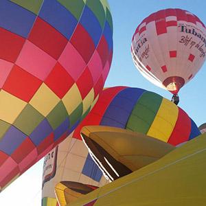 luchtballon boven Alphen a/d Rijn