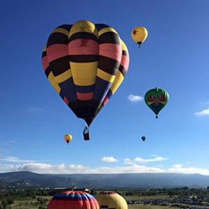 luchtballon boven Gouda