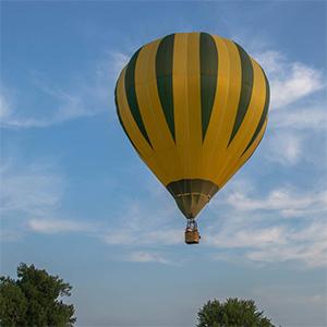 luchtballon boven Houten