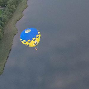 luchtballon boven Thorn